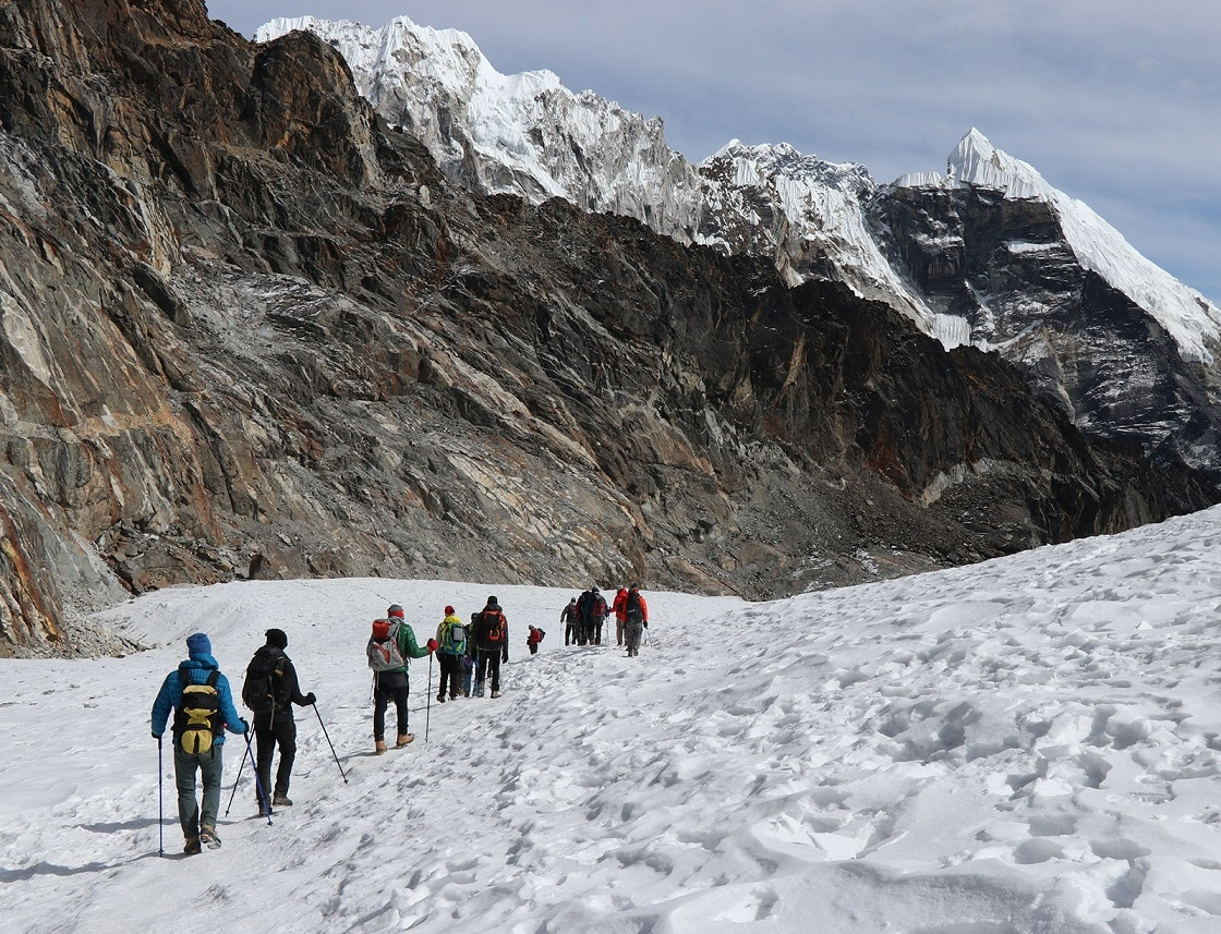 Trekkers overcoming Gokyo Lakes Trek Difficulty